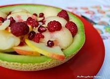 Melon z owocami