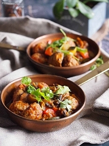 Klopsiki hiszpańskie na potrawce z cukinią / Spanish meatballs with zucchini ...