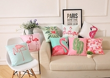 Poduszki w tropikalnym styl...