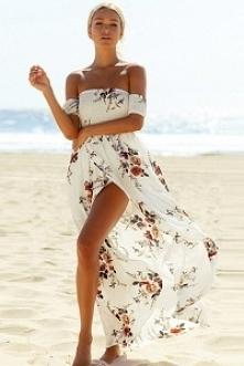 Plażowa sukienka maxi w bardzo modne kwiaty ! kliknij zdjęcie a dojdziesz do sklepu :) mohho.pl