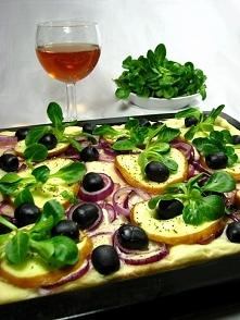 Pizza z Oscypkiem i Oliwkami