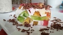 blok galaretkowy z odrobiną czekolady :)