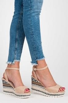 Sandałki z etnicznym wzorem :)
