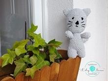 wlazł kotek na płotek....  więcej info na lilylove@poczta.fm lub fb: szydełko...