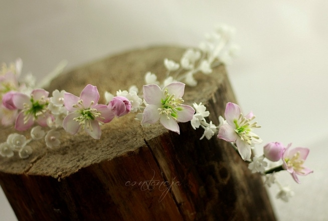 kwiaty jabłoni- gałązki do upinania we włosy. 100% ręcznie robione