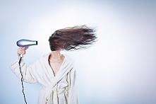Włosy wypadają Ci dosłownie garściami i nie wiesz jaka jest tego przyczyna? B...