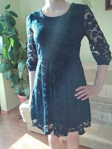koronkowa, granatowa sukienka, pięknie zdobiony rękaw, rozmiar M/L, cena do n...