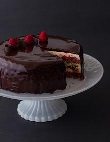 Tort z lustrzaną glazurą