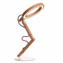 Biurkowa lampa ekologiczna NILXU002 - dostępna w =mlamp=  Prezentowane oświetlenie to stojąca lampka biurkowa, która posiada ciekawą formę i unikalny  design. Oświetlenie ma zas...