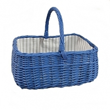 Niebieski wiklinowy koszyk ...