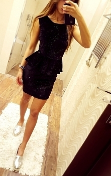 Gdzie kupię taką sukienkę? Marka chyba Ax Paris.