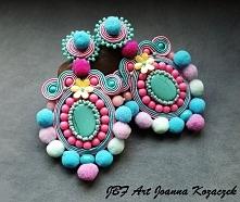 Kolorowe kolczyki z pomponami - JBF Art dostępne w butiku Artillo