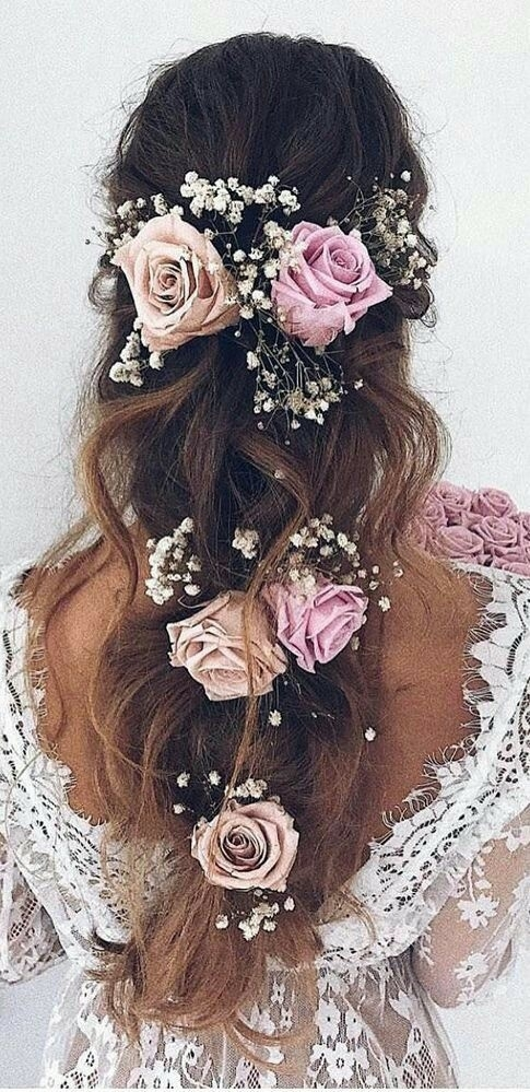 Fryzura ślubna Z Kwiatami Na ślubne Inspiracje Zszywkapl