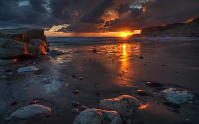 • Beautiful sunset •