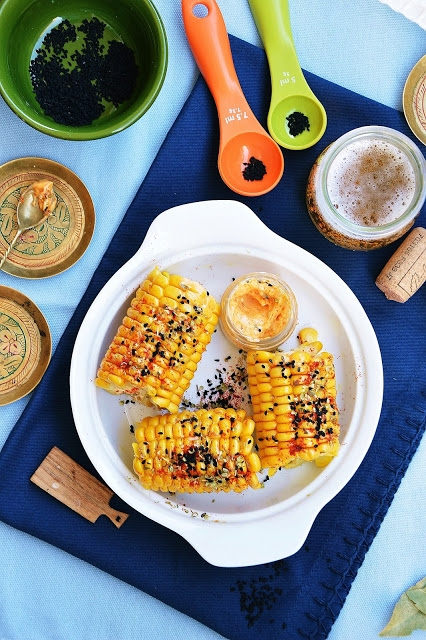 kukurydza gotowana z masełkiem smakowym