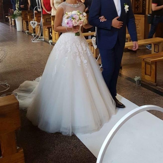 Sprzedam Suknię ślubną Renomowanej Hiszpańskiej Marki Pronovias Na
