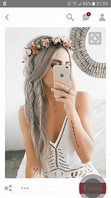 Siwe włosy. Wianek.
