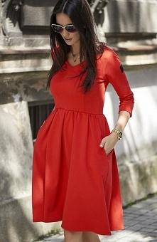 Numinou NU58 sukienka czerwona Modna sukienka, wykonana z jednolitego materiału dresowego, rozkloszowany fason