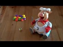 A oto gra Piggy Pop, czyli nie pękaj prosiaczku!. Jest to gra w której karmimy prosiaczka tak długo, aż pęknie mu pasek od spodni. Gracze kolejno rzucają kostką, która wskazuje ...