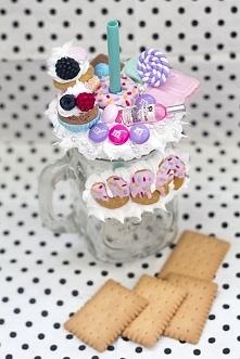 Kubek personalizowany z babeczkami i milką