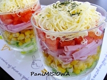 Kolorowa sałatka warstwowa