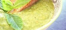 Zupa krem z zielonego groszku i mięty