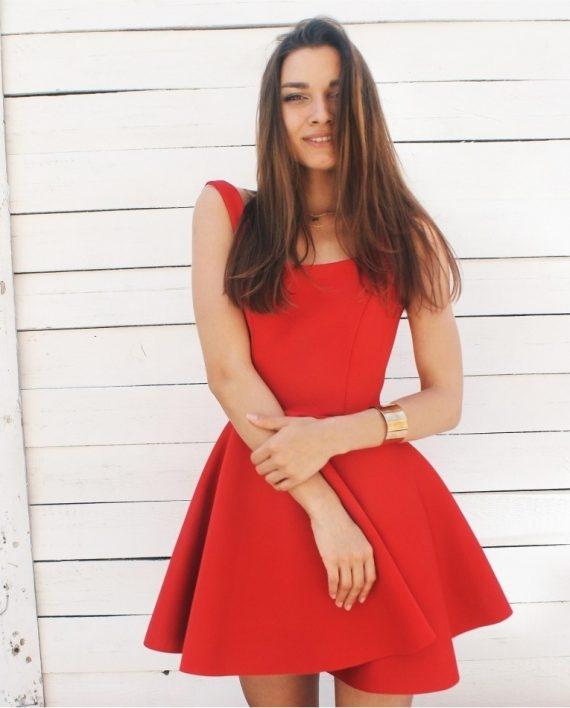 4a9b4b2b46 Przepiękna rozkloszowana czerwona sukienka na lato. na Czerwone ...