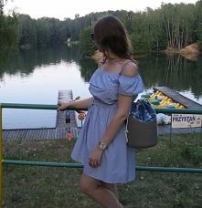 Marynarska sukienka hiszpanka od Preppystyle z 18 sierpnia - najlepsze styliz...