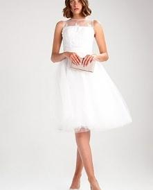 Przepiękna koronkowa sukienka koktajlowa Chi Chi London HANALEIGH.