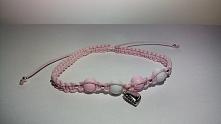 Piękna bransoletka makramowa z zawieszką srebrnego serduszka w kolorach różow...