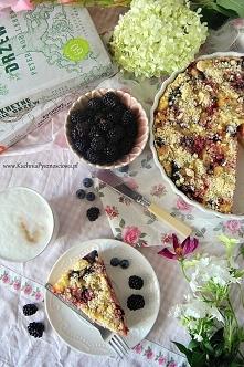 tarta z serem ricotta, borówkami i jeżynami