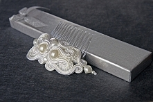 Grzebyczek ślubny z perłami. Więcej na FB na critersdesign Zobacz i zamów na fb