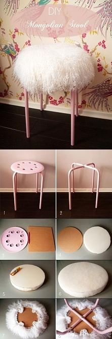 Cudowny, milusi stołek i w sumie tani do zrobienia. Czasami nie warto kupować...