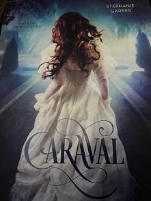 Jesli ktoś lubi Alicje w krainie czarów to Caraval przeczyta jednym tchem