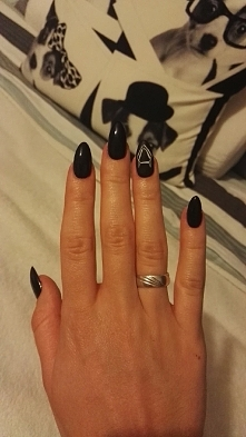 matte nails black