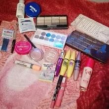 Zawartość mojej kosmetyczki :-) Aktualnie jest kiepsko, ktoś też jak ja czeka...