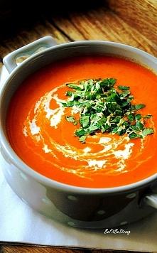 Szybka zupa krem z pomidorów i papryki. Przepis po kliknięciu w zdjęcie!