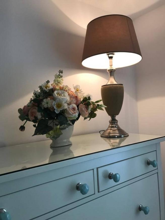 """nasza kompozycja kwiatowa w domu pewnej miłej babci w programie """"Nasz nowy dom"""""""