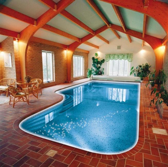Oświetlenie basenu w fugach. Dekoracje świetlne w dnie basenu.  Tel: 668 487 285
