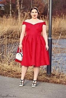 Cudowny kolor sukienki Chi ...