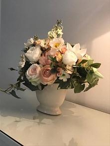 nasza kompozycja kwiatowa w...