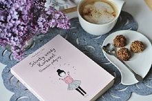 Poranna kawa ☕+  książka = ❤ idealne połączenie.