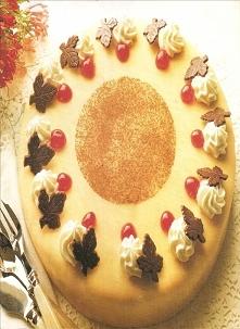 Tort marcepanowy z masą marcepanową