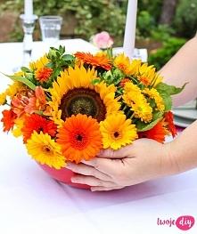 Jak ułożyć kwiaty w misce? ...