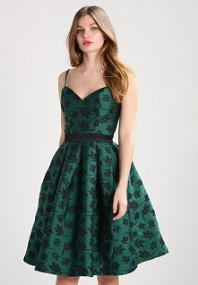Przepiękna zielona sukienka koktajlowa Chi Chi London ANTONINA.