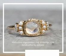 Vintage z kamieniem księżycowym