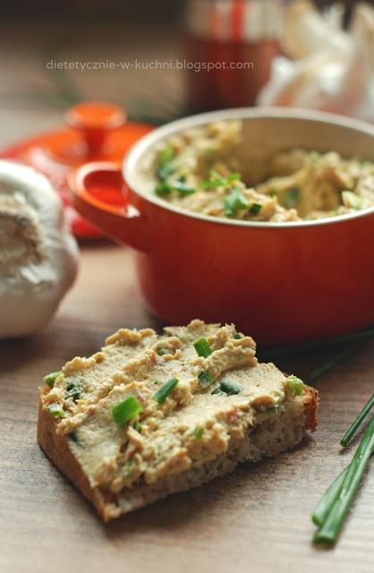 Pasta do chleba z kurczaka i twarogu
