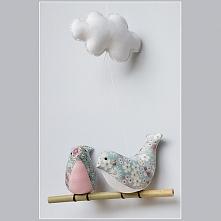 Dwie pękate pliszki z chmurką