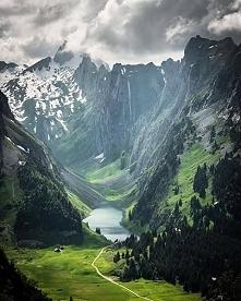 Jezioro Fälensee w Szwajcar...
