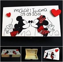 A dziś goszczą u nas Minnie i Miki. :)  Nasze pudełko zastąpiło kolejną koper...